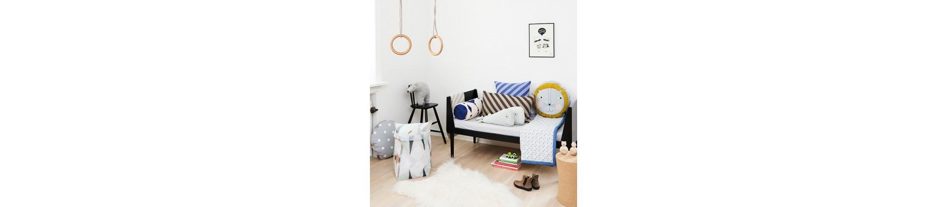 coussins et poufs chambre enfant design achat vente. Black Bedroom Furniture Sets. Home Design Ideas