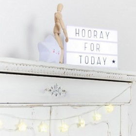 Lightbox lettres (A4) blanche + affiches Little Lovely Company