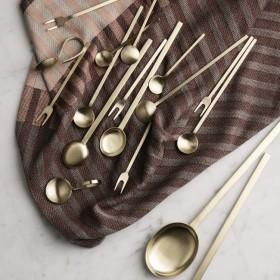"Ferm Living - fourchette laiton ""Fein Relish Fork"""