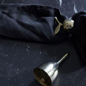 rond de serviette : pomme (métal doré) - Byon / On Interior