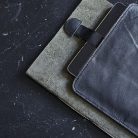 black leather ipad cover (27x21cm) - Byon / On Interior