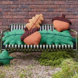 Donna Wilson - cushion acorn : green