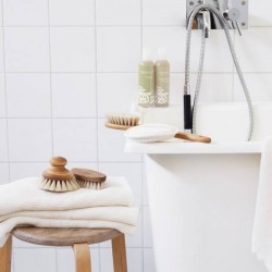 Brosse de bain ronde en bois - Iris Hantverk