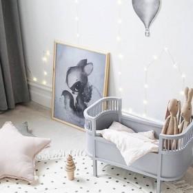 lit de poupée design gris clair