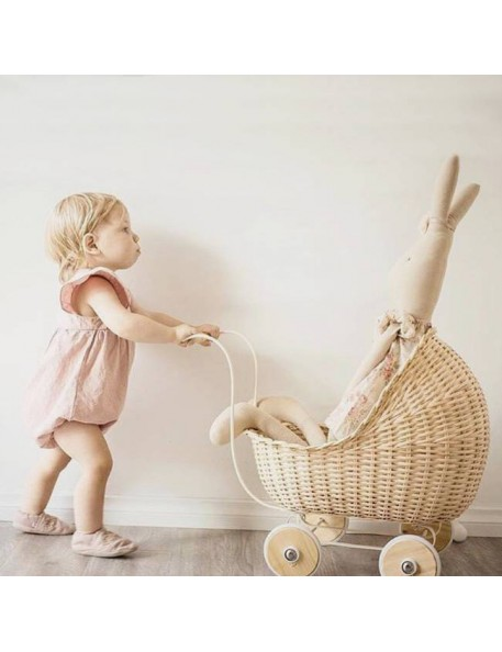 landau de poupée en rotin