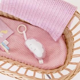 A Little Lovely Company - hochet bébé nuage rose