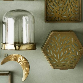 Hexagonal glass box with carvings Madam Stoltz