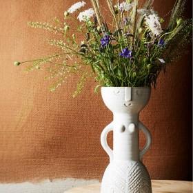 Vase blanc visage femme Madam Stoltz