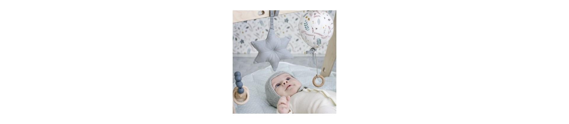 Boîtes musicales bébé : coussins & mobiles musicaux chambre bébé