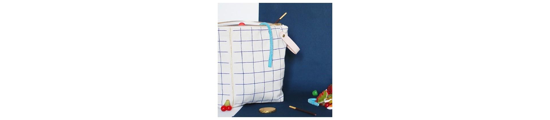 Accessoires et fournitures scolaires design : trousses, sacs